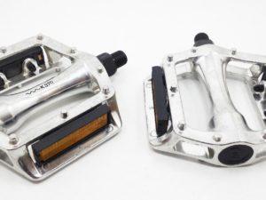 Pedal Bmx Aluminio Xerama Con Pin Antideslizante
